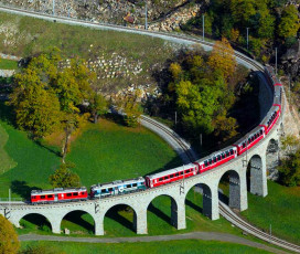 Train Bernina Express et Saint-Moritz