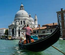 Gondola Ride & Discover Venice Walking Tour