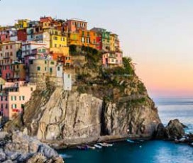 Cinque Terre Day Tour: Suspended between Land and Sea