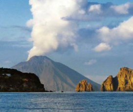 Aeolian Islands Tour: Panarea and Stromboli by Night