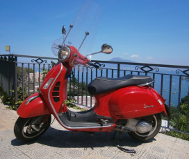 Vespa Half Day Tour: Discover Naples