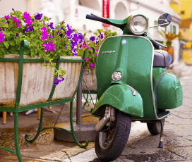Vespa Day Tour: Sorrento, Positano & Amalfi
